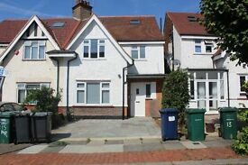 Stunning Five Bedroom House in Golders Green, Available NOW!! A MUST SEE!!