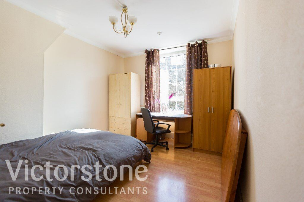 GREAT VALUE 3 BED FLAT 5 MIN FROM LONDON BRIDGE STATION AVAILABLE