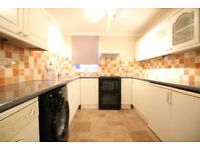 LARGE THREE/FOUR BED HOUSE IN HESTON- NEAR HOUNSLOW HEATHROW NORWOOD GREEN SOUTHALL CRANFORD