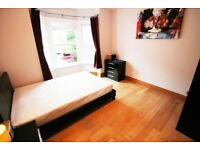 LARGE ROOM IN TOWN CENTRE FRIENDLY HOUSESHARE, 2 BATHROOMS, ALL BILLS & WIFI INC, AVAILABLE NOW!