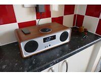 Ruark Audio R2 MkIII DAB/FM W-Fi Radio (Walnut)
