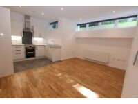 G05 - Totally Brand New TWO BED Apartment with WiFi & Gym, Light, Bright & Quiet - Highgate N6