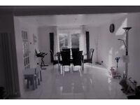 4 Bed Detached House In Ruislip