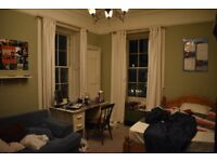 Double room subletting for Fringe