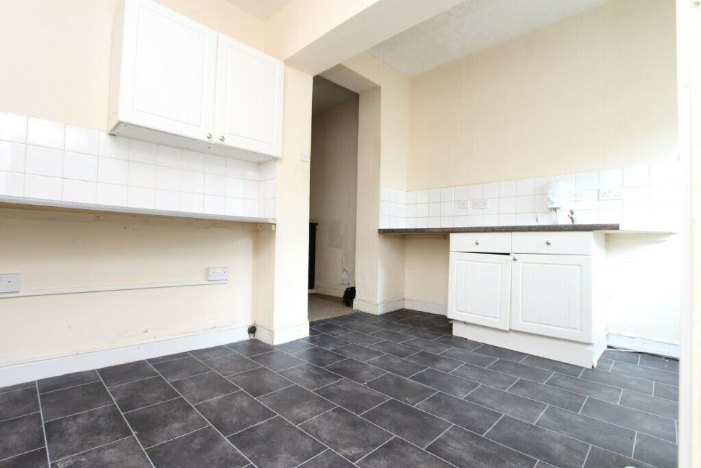 FLAT WITH GARDEN dss accepted 1bedflat with private garden in Wednesfield  Large loungeDouble bedroom | in Wolverhampton, West Midlands | Gumtree