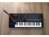 Roland jd-xi Interactive Analogue/Digital Crossover Synthesizer