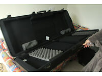 Keyboard case [hard case, Gator] 76 note - £180 ono Gator TSA 76 Keyboard Case BLACK