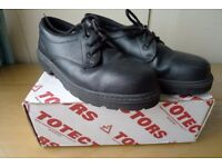 'Totectors' steel toecap shoes, size 11, very good condition