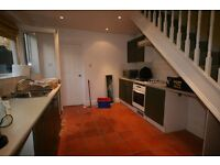 3 BED SPLIT LEVEL FLAT IN BRIXTON - ONLY £550PW!!