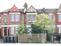 2 bedroom flat in Ferndale Road, London, N15 (2 bed) (#1233153)
