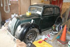 """Morris 8 with """"The Book of the Morris Eight and the Morris Minor"""" and """"Operations Manual"""""""