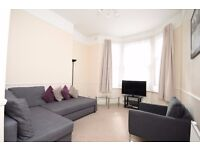 CHARMING ONE BEDROOM FLAT -QUEENS PARK