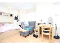 En-Suite Room To Rent In House Share In Wood Green, N22 5NA, London