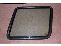 Discovery I (yr 1999) Rear Side Fixed Window Offside Driver With Seal