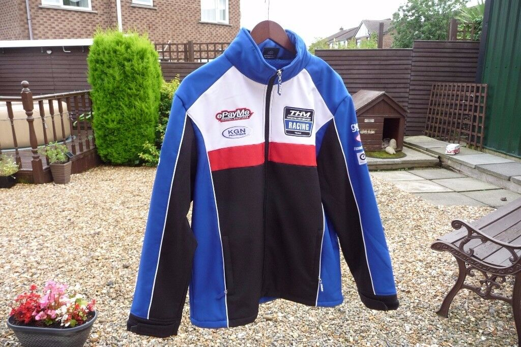 AS NEW ePayMe YAMAHA SOFTSHELL JACKET. WORN ONLY ONCE. REALLY NICE JACKET. GREAT QUALITY.