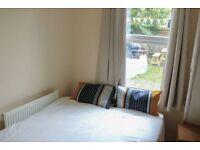 AMAZING Double Bed Room in Clapham (ZONE 2)