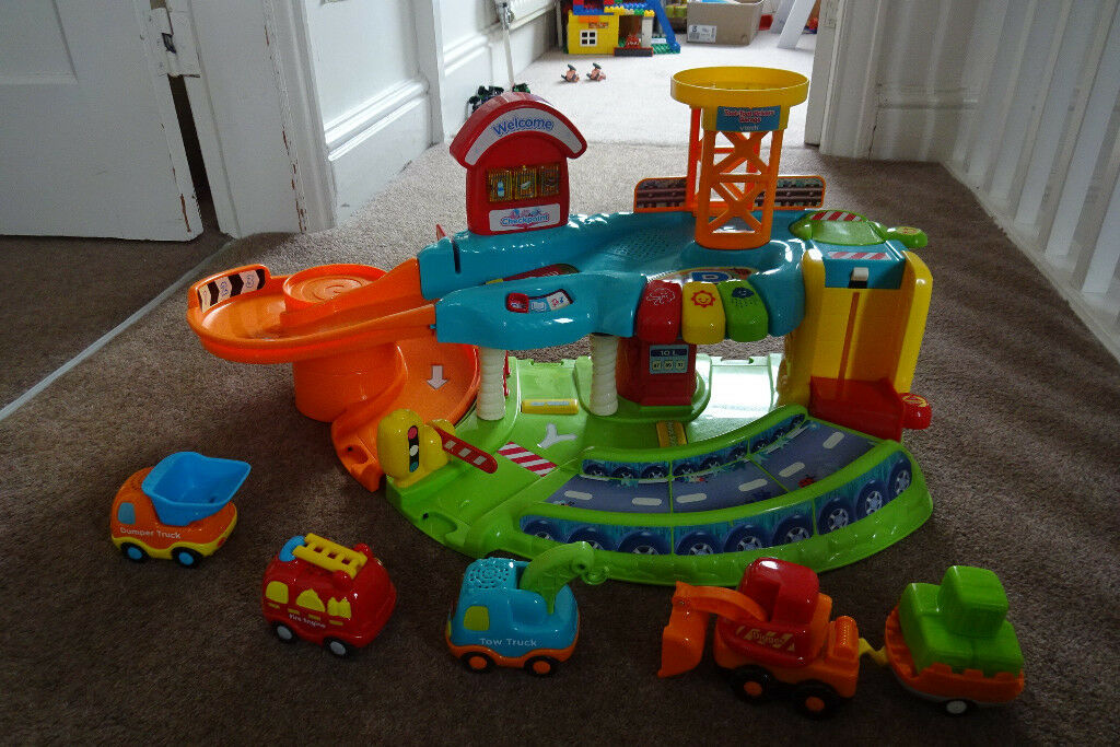 V Tech Garage : Vtech baby toot toot drivers garage with vtech baby toot toot