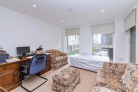 A spacious one bedroom apartment situated in the popular Greenwich Peninsula.