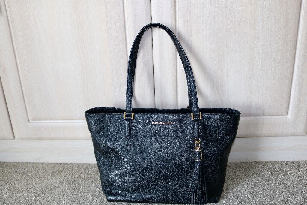 e6a8c684e0bd ORIGINAL Michael Kors leather bag. London £200.00