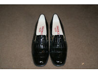 Quality ladies shoes size 5 1/2