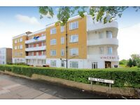 2 bedroom flat in Vincent Court, Bell Lane, Hendon, NW4