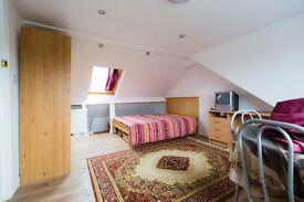 Double Bedroom/Room in New Loft in SW19 Putney/Southfields including all Bills