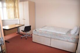 Double Bedroom in Selly Oak - Ideal for Student / Profesional