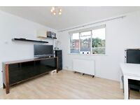 Large Studio Flat ideally located in Camden Town. Inclusive of Bills. 2 Mins to Bus/Tube/Overground