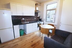 Large Four Double Bedroom flat in Chalton St, Euston, London NW1 1HY