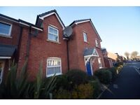 2 Bedroom unfurnished ground floor flat with parking in desirable location. £525 per month
