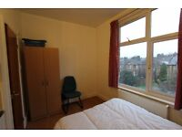 *** SELF CONTAINED STUDIO FLAT N13 ****