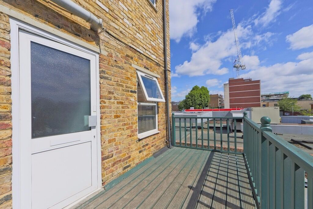 BEAUTIFUL 1 BED HOME!