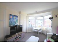 Amazing 3 bedroom garden floor flat close to Willesden Green St. ZONE 2 call now for a viewing