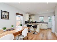 KING - Stunning newly refurbished renovated split level three bedroom conversion apartment to rent