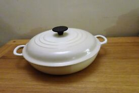 Le Creuset 26cm cast iron shallow casserole. Almond colourway. Unused.