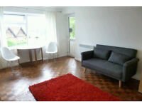 CENTRAL GUILDFORD LARGE BEDSIT WITH PRIVATE BALCONY