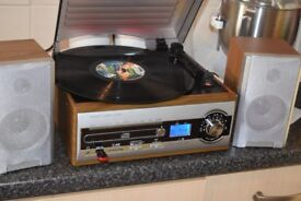 RECORD PLAYER/USB/CD/RADIO 3 SPEED CAN BE SEEN WORKING