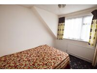 *** ROOM TO RENT !! ** HEART OF CHADWELL HEATH !! ** RM6 ** AVAILABLE NOW !!! ***