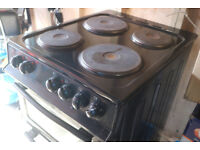 Electric Cooker 4 Hub Grill Oven Swan Black Good Condition Quick Sale