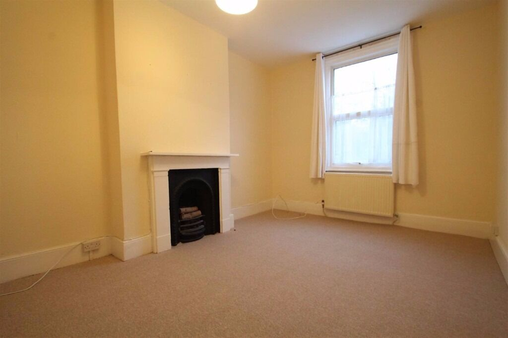 **PRINCE ROAD** 2 BED FLAT ONLY £1100!!! ACT QUICKLY TO AVOID DISAPOINTMENT !!