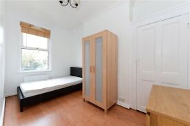 4 DOUBLE BED, 2 BATH PROPERTY! 5 MIN TO STREATHAM HILL STATION!