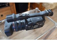 Canon XH A1 Professional MiniDV Camcorder (20x Optical Zoom, HDV1080i recording)