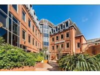 A FANTASTIC STUDIO LOCATED minutes walking distance from amenities