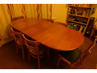 Lovely extendable dining table and FREE chairs