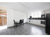 A STUNNING LARGE THREE DOUBLE BEDROOM VICTORIAN CONVERSION WITH GARDEN ALL BILLS INCLUDED