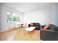 3 bedroom flat in Park Road, Hendon, NW4