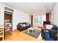 Dalston N1 : Fantastic 3 Bed Apartment With Balcony