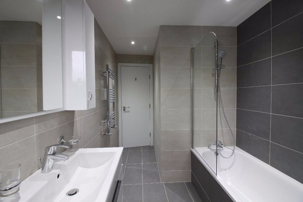 ***BRAND NEW 2 BEDROOM 2 BATHROOM APARTMENT SET WITHIN A SECURE GATED COMPLEX - AVAILABLE NOW***