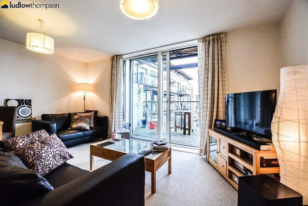 A spacious apartment just off Narrow Street with a private balcony overlooking the Limehouse basin