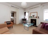 HIGHBURY GROVE N5: TWO BEDROOM FLAT / PERIOD CONVERSION / UNFURNISHED / AVAILABLE 30TH OCTOBER